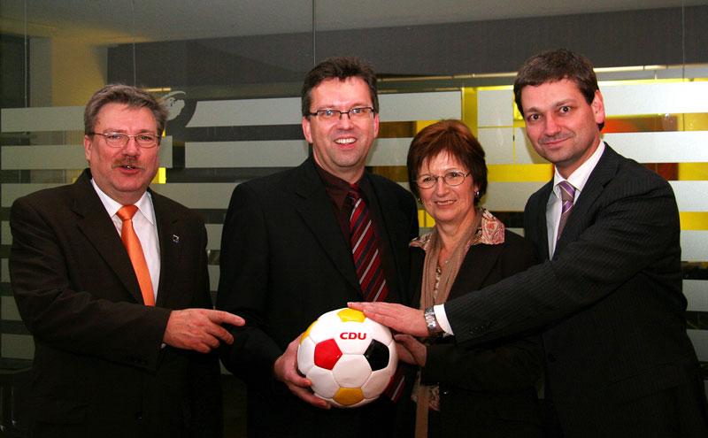 Demonstrieren den neuen Teamgeist. v.l.: Hans-Walter Zöllner, Clemens Körner, Elfriede Benedix und CDU-Landeschef Christian Baldauf